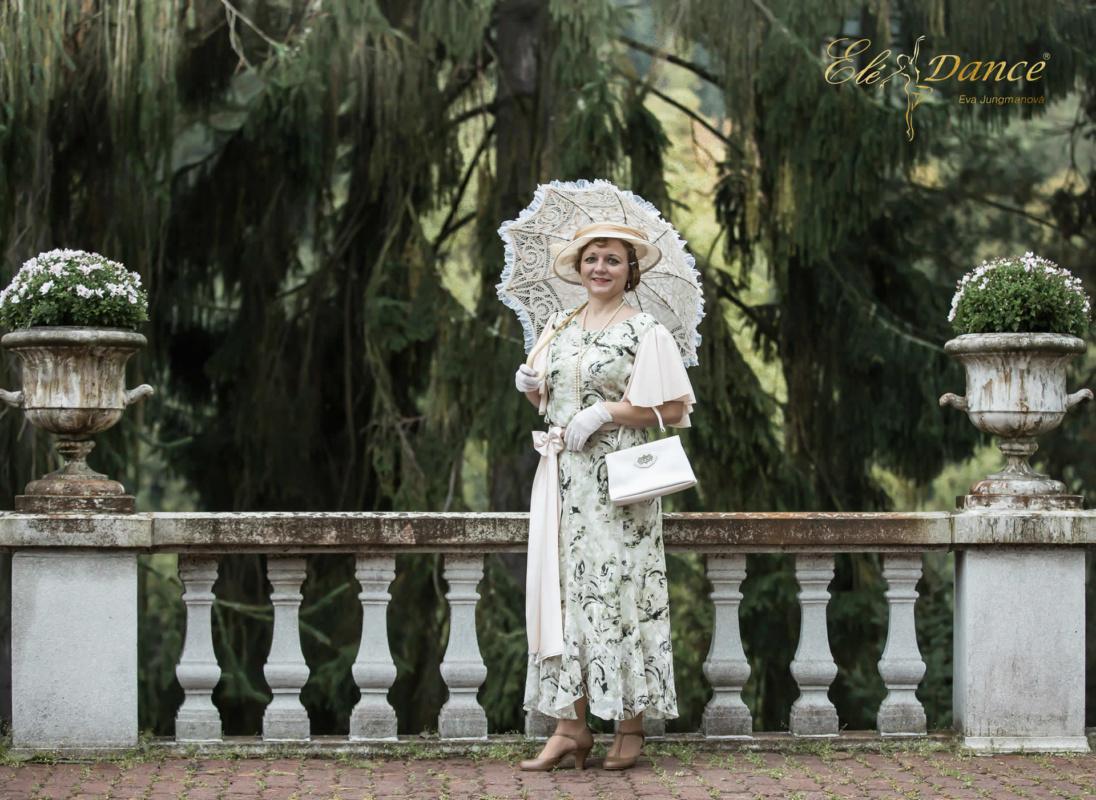 dámské šaty 30.léta, slunečník, kabelka