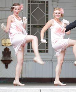 tanec Charleston, šaty