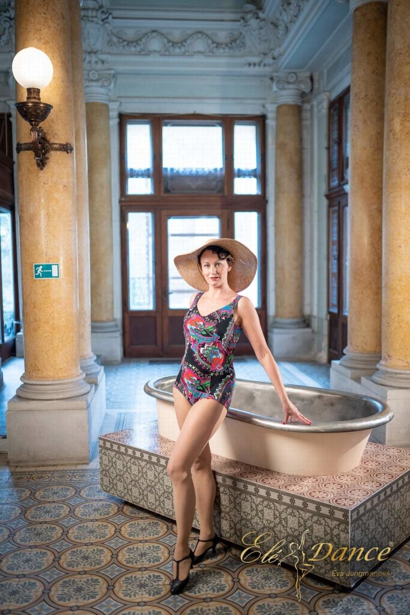 dámské retro plavky, módní přehlídka